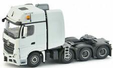 Camions miniatures blancs 1:50