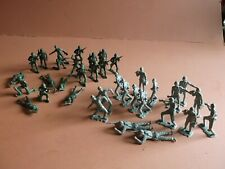 VINTAGE TOY SOLDIERS MPC WW II INFANTRY GI's WEHRMACHT PLASTIC USED NO RESERVE
