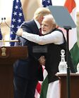 PRESIDENT DONALD TRUMP WITH INDIA PRIME MINSTER IN 2020 - 8X10 PHOTO (BT293)