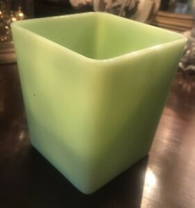 Vintage Jeannette Glass Co. Jadeite Green Square Canister without Lid, NICE!
