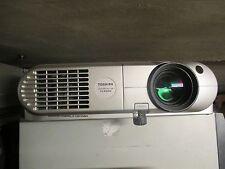 Toshiba Data Projector TLP660 LCD Beamer 1100 Ansi 300:1