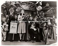 THE WIZARD OF OZ JUDY GARLAND DOROTHY GALE MUNCHKINS MUNCHKINLAND 8 X 10 PHOTO