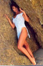 TIFFANI-AMBER THIESSEN - NICE LITTLE DRESS AGAINST THE ROCKS !!!
