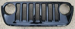2018-2021 Jeep Wrangler/Gladiator Willy's Front Grill Factory Black OEM JL JT
