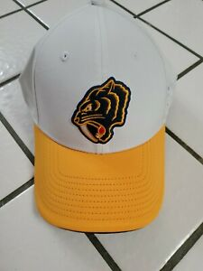 Nashville Predators Branded Winter Classic 2020 Flex Hat Cap White S/M NWOT