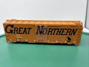 Atlas O 40' 1937 AAR Box Car - Missing Trucks & Couplers - Great Northern