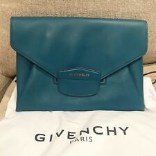 Brand New 100% Authentic Givenchy Antigona Envelope Clutch In Jade