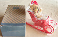"""Vintage 1980s Avon Gift Collection """"HOLIDAY SLEIGH & TEDDY BEAR"""" Wicker - NEW!"""