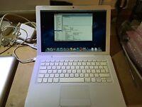 """Cheap Apple MacBook 2009 OS X 13"""" 2GHz / 2GB Ram 160GB HDD, WIFi OSX 10.11"""