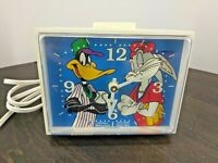 Vintage 1994 Looney Tunes Westclox Bugs & Daffy Baseball Clock With Alarm
