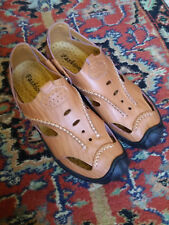Mens shoes size 9 new. Soft leather, light tan. Bought wrong size in error.