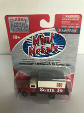 HO SCALE MINI METALS - 'INTERNATIONAL R-190 SANTA FE RR EXPRESS VAN- ITEM #30166