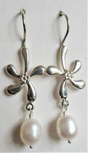 STERLING SILVER WHITE FRESH WATER PEARL FLOWER DROP EARRINGS 925 4g (20114)