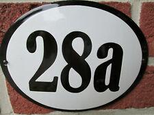 Hausnummer Oval Emaille schwarze Zahl Nr. 28a  weißer Hintergrund 19 cm x 15 cm