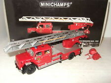 Camions miniatures rouge MINICHAMPS