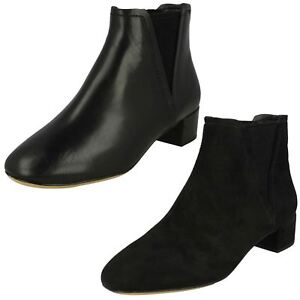 LADIES CLARKS SUEDE LEATHER LOW HEEL SMART FORMAL ANKLE BOOTS ORABELLA RUBY SIZE