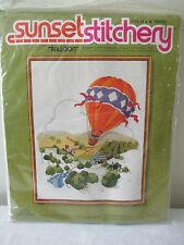 VINTAGE SUNSET STITCHERY CREWEL EMBROIDERY KIT HOT AIR BALLOON WOOL YARN FREE SH