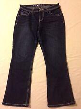 Apt. 9 boot cut cropped blue jeans women's size 12 S (waist 33 inseam 26.5)
