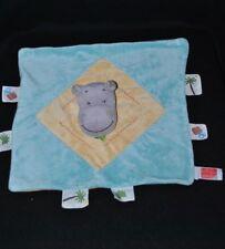 Peluche doudou hippopotame plat INFLUX CORA bleu jaune étiquettes cadeaux TTBE