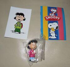 Personaggio Snoopy Peanuts 3D + sticker edibas collection LUCY VAN PELT