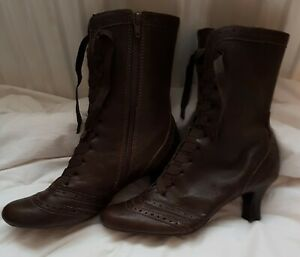 CLARKS LADIES SHORT BOOTS SIZE 5 BROWN WORN ONCE