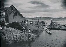 MADAGASCAR c. 1940 - Population Enfants Pirogue Moisson du Riz - Div 11207