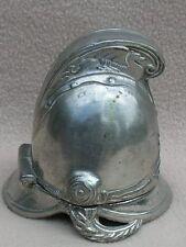 Placa de plata de metal blanco antiguo Pin Cojín en forma de casco de bombero militar/