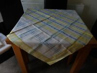 VINTAGE TABLECLOTH 50in SQ WHITE YELLOW BLUE SHABBY CHIC COTTAGE COUNTRY KITCHEN
