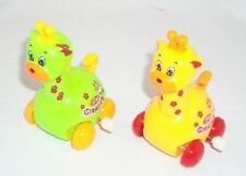 2 pieces Giraffe Wind up Toy Head Shake and Go Great Child Gift Yellow & Green