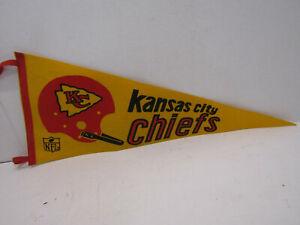 """OLD KANSAS CITY CHIEFS FOOTBALL FELT PENNANT FLAG 1967 NFL 30"""" ONE BAR HELMET"""