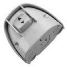 Clipsal WEATHERPROTECTED SWITCHED POWER OUTLET 1-Pole 10A Surface Mount WHITE