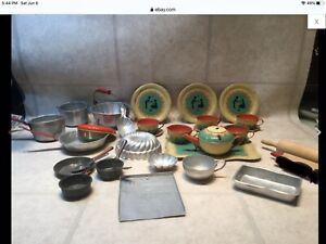 Vtg Ohio Art Metal Aluminum Toy Silhouette Children's Dishes Tea Set, pots& pans