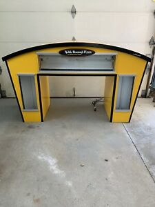 Yellow Noble Romans Pizza Heated Food Display For Advertising Or Other Purpose