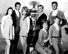 """LOST IN SPACE"" CAST FROM THE CBS TV PROGRAM - 8X10 PUBLICITY PHOTO (CC941)"