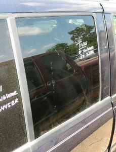 2002 03 04 05 06 07 08 09 Chevy Trailblazer Passenger Rear Door Glass Oem