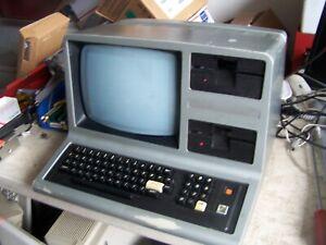 TRS 80 Model III Radio Shack Micro Computer 48K Model 26-1066 AS IS