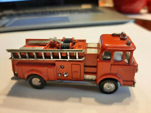 Marx diecast metal Ford COE fire truck with Battery op lights ! !!    NO RESERVE