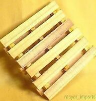 Cargo-To-Go: G  Scale Freight Pallets - Station Detail (Set of 3 Pallets)