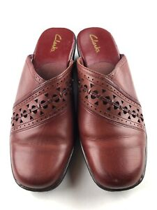 Clarks Women's Burgundy Leather Lightweight Slip On Mules Comfort Shoes size 10M