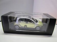 Original Smart forfour Modell in melon green - 1:18