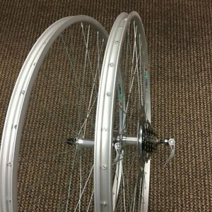 BICYCLE WHEEL SET 27 X 1 1/4 ALLOY FIT SCHWINN OTHERS