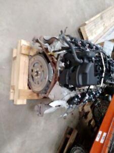 Engine 5.3L VIN 0 8th Digit Opt Lmg Fits 10-14 SUBURBAN 1500 8704470