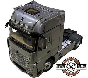 1:18 Mercedes Benz Actros FH25 Gigaspace -- Silver Truck -- NZG