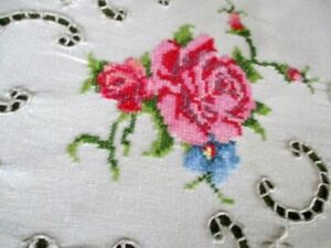 """LARGE TABLECLOTH HAND EMBROIDERED PINK ROSES - CREAM COTTON - 62""""/98"""""""