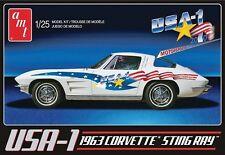 AMT 1:25 USA-1 1963 Chevy Corvette Plastic Model Kit AMT909