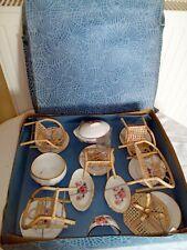 Ancienne dinette poupée Porcelaine + Salon De Thé en osier