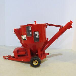 Ertl Massey Ferguson Grinder Mixer Mill 1/16 MF-1112-G