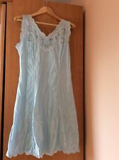 Fond De Robe/ Nuisette Bleu Turquoise T44