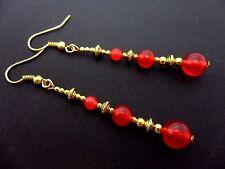 Un Par rojo grano de Jade ORO tono pendientes Extra Largo Colgantes. Nueva.