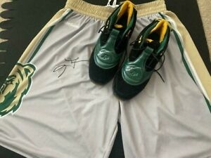 ALLEN IVERSON AUTOGRAPHED BETHEL HIGH SCHOOL ANSWER 5 SHOES AND SHORTS